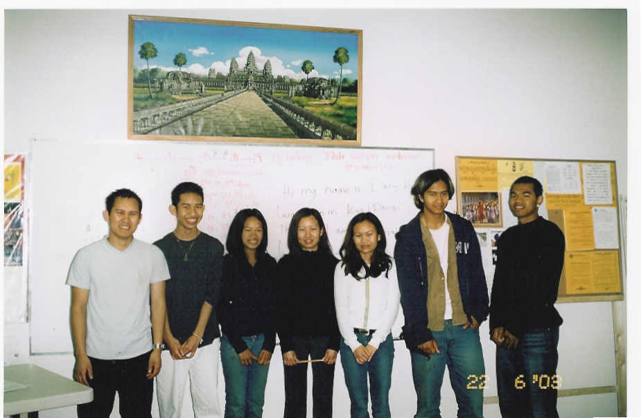 Cambodian Students attending Khmer          Classes on Saturday & Sunday School in order to inherite the most invaluable          Khmer culture